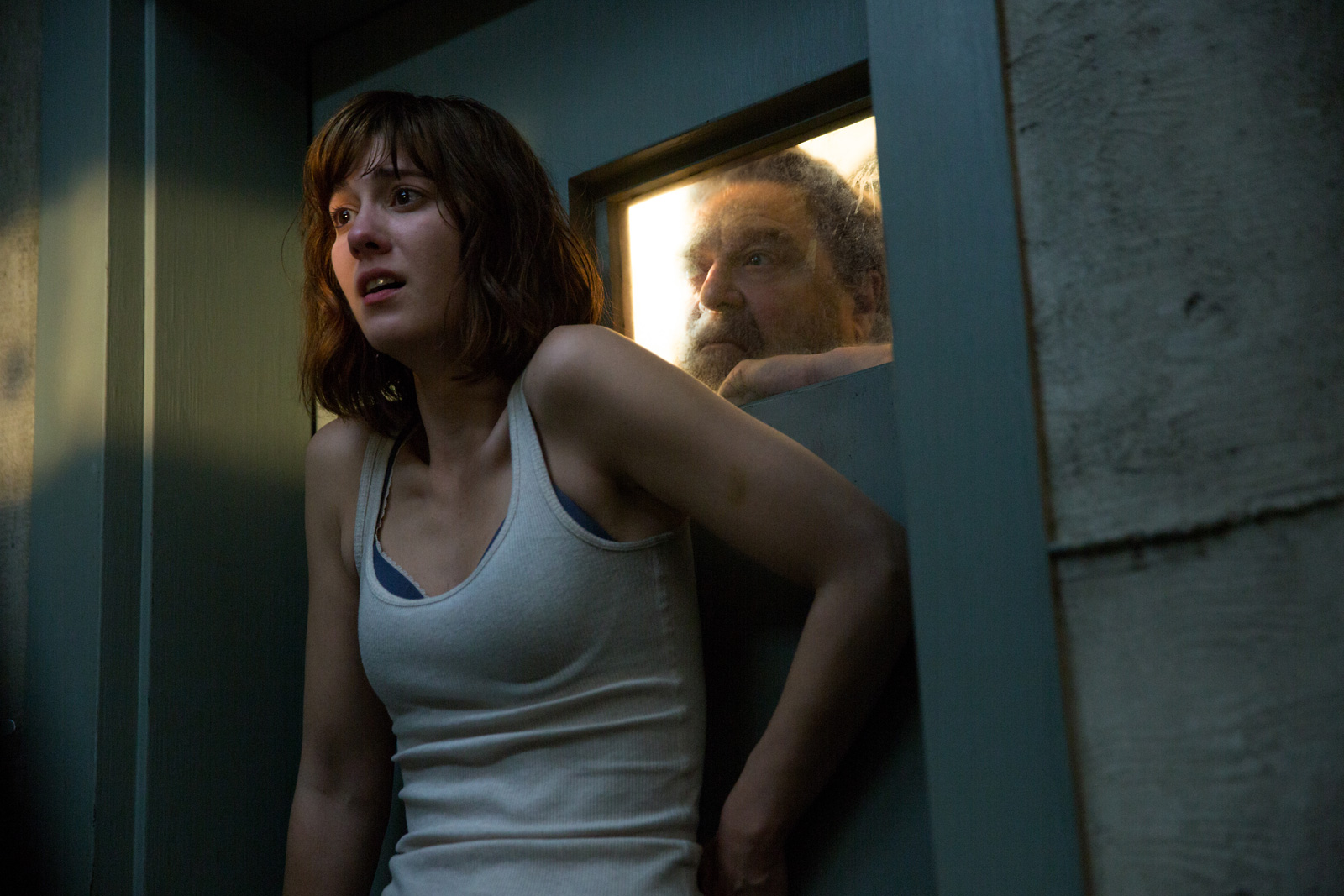 Coming Soon Trailers: 10 Cloverfield Lane, The Brothers Grimsby, Hyena Road